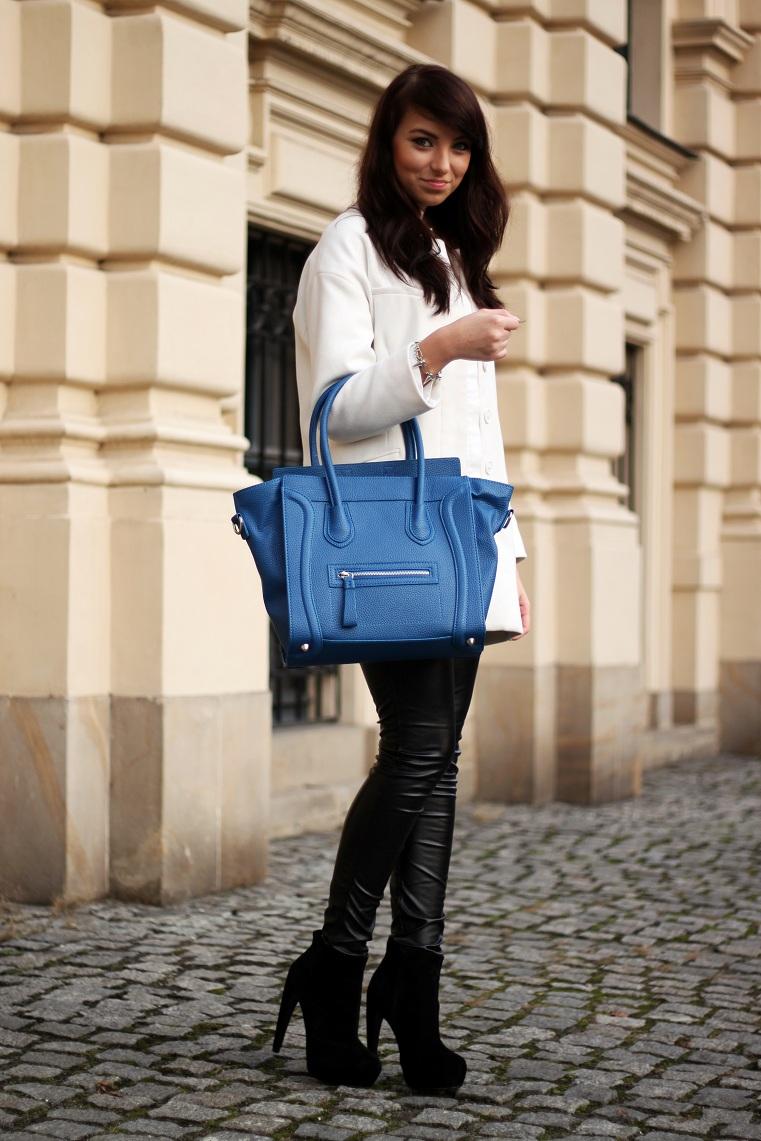 bf00797e2ecd8 Świetnie wygląda w połączeniu ze skórzanymi spodniami i wysokimi botkami.  Kobaltowa torebka ożywia cały zestaw. Co sądzicie o dzisiejszej stylizacji?