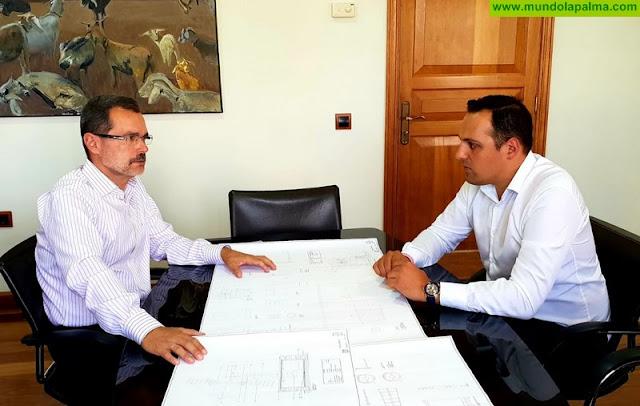 Jonathan Felipe busca en Fuerteventura las claves para la adecuada rehabilitación del Molino de Breña Alta