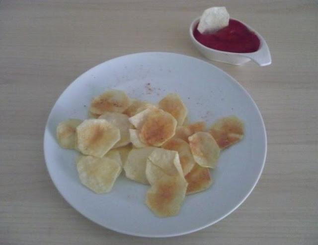 maionese di pomodoro senza uova per accompagnare chips