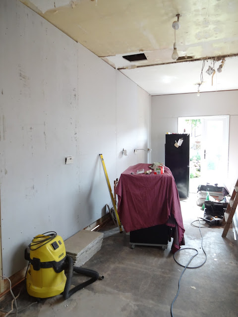 plasterboard fixed with battens in the kitchen