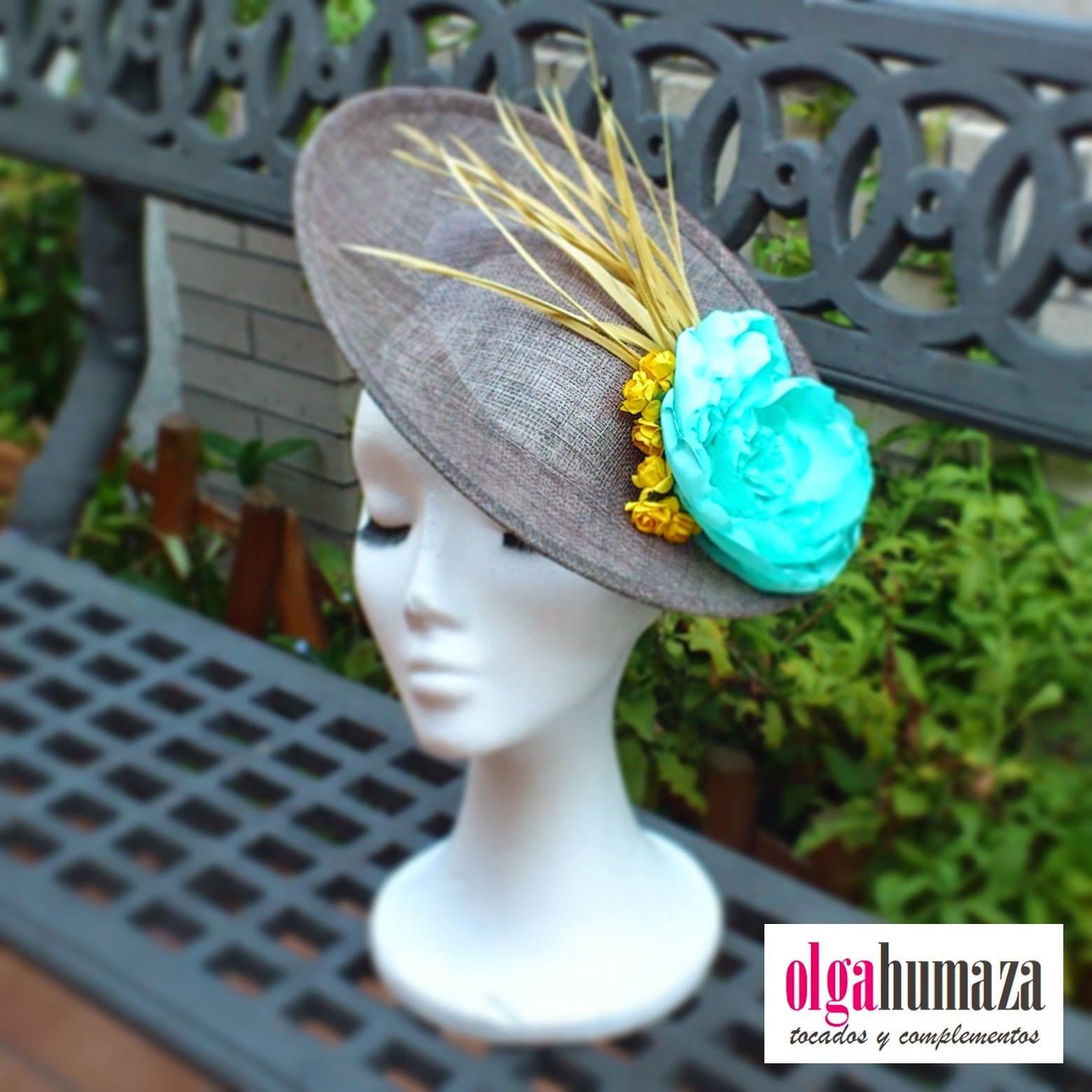 http://olgahumaza.blogspot.com.es/2014/07/b49-tocado-pamela-gris-plata-y-adornos.html