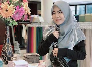 Rayola Pakai Hijab