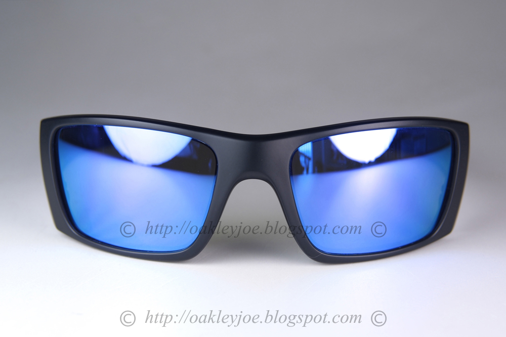 2382e4574e matte black + grey polarized  260 lens pre coated with Oakley hydrophobic  nano solution comes with box and microfiber pouch