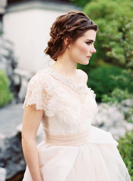 peinados de novia con velo y tocado