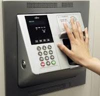 En japon se emplea el mapa de las venas en las manos para identificar ahorristas en cajeros automaticos
