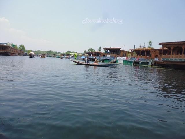 Sewa Houseboat di Kahsmir