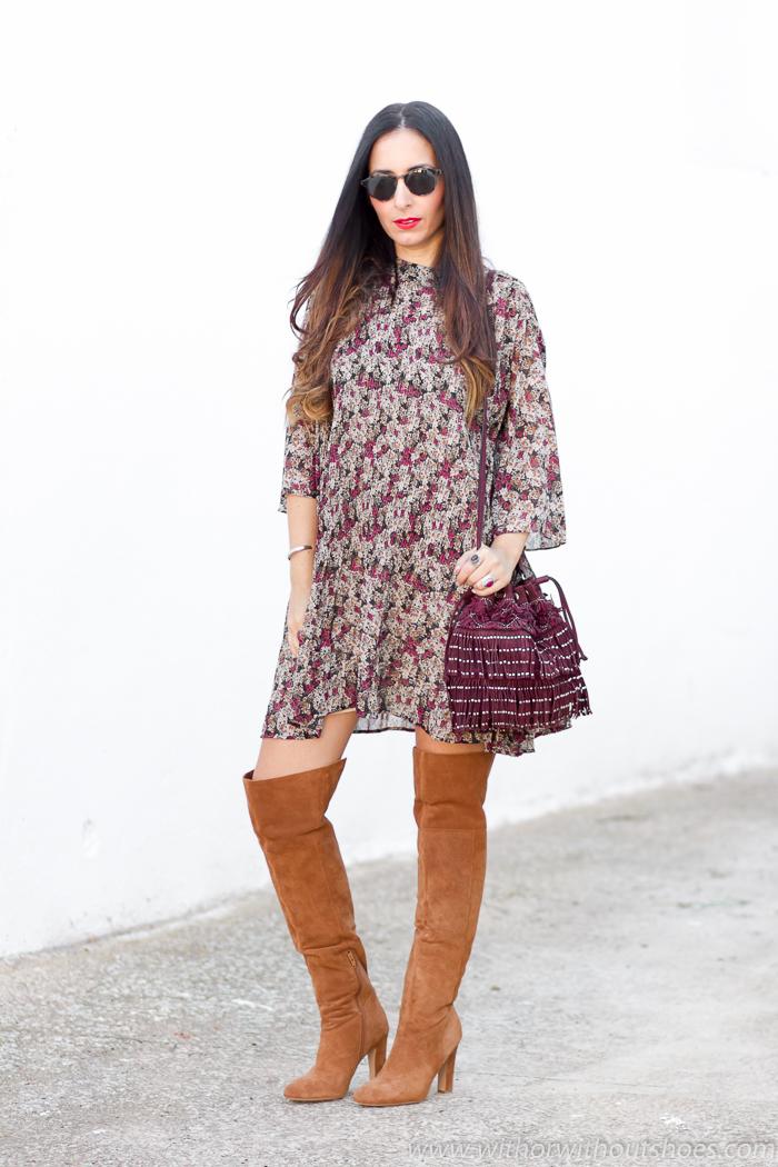 BLoguera influencer de moda belleza de Valencia con ideas outfit de Zara y botas altas
