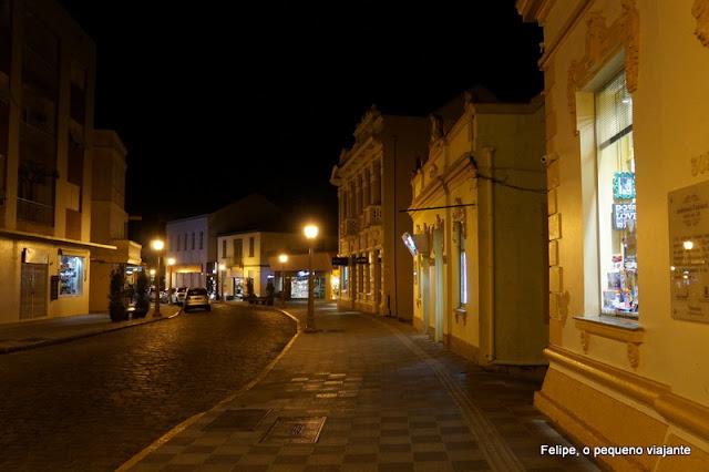 Rua Buarque de Macedo à noite