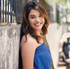 Shalmali Kholgade Family Husband Son Daughter Father Mother Age Height Biography Profile Wedding Photos