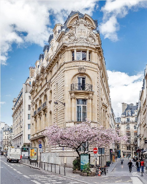 http://www.lush-fab-glam.com/2016/04/dream-destinations-paris-in-spring.html