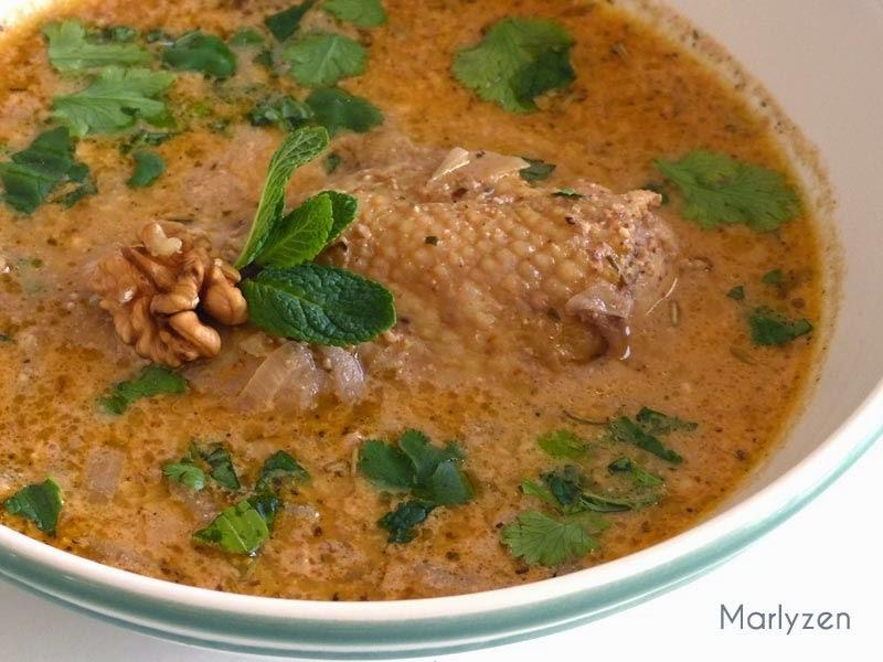 Soupe de poulet aux noix : kharcho géorgien.