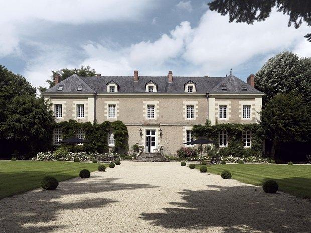 Interior en blanco y negro para un chateau francés chicanddeco