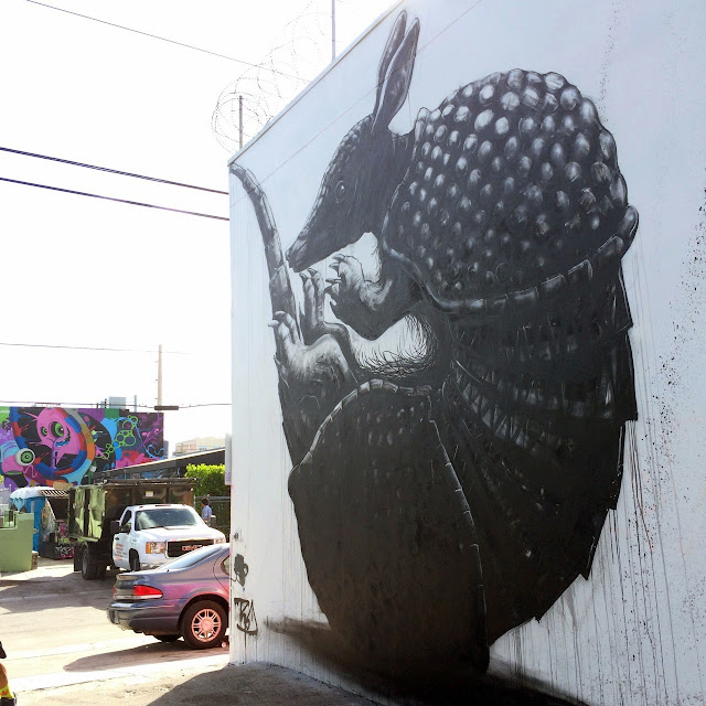 """Armadillo"" New Mural By Belgian Street Artist ROA in Miami For Art Basel 2013. 3"
