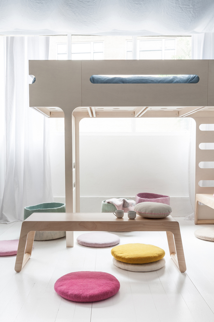 B bench by Rafa-kids with F bunk bed