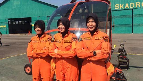 Pilot wanita TNI AD
