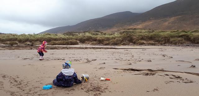 Vuoristo, irlanti, hiekkaranta, sisarukset, hiekkaleikit, rantaheinikko