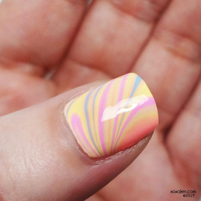 xoxoJen's swatch of KBShimmer Seas The Day watermarble