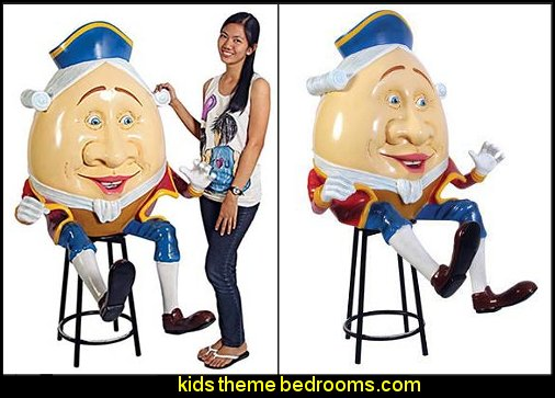 Grand-Scale Humpty Dumpty Statue