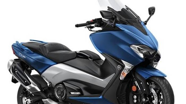 Tips Mengendarai Skuter Matic Besar Seperti Yamaha TMax DX agar Tetap Nyaman.