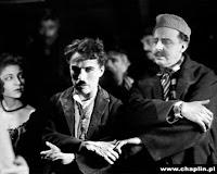 """Чарли Чаплин на съемках новогоднего эпизода из """"Золотой лихорадки"""" (1925) - 2"""