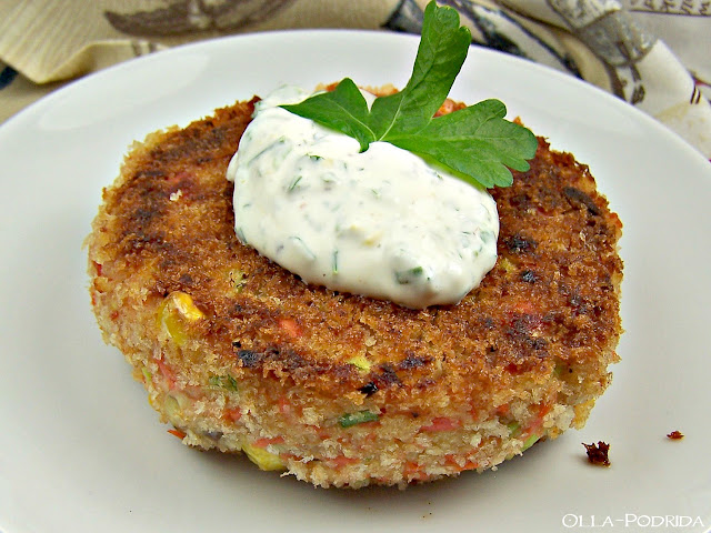 Deviled Salmon Cakes with Parsley Lemon Sauce