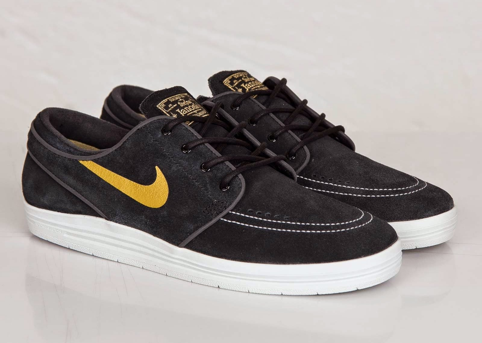 688ddec4fd79 ... new arrivals nike sbs 2014 collection includes this pair of nike sb  lunar janoski low.