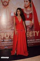 ishita Raj Sharma in Red Gown Stunning Beauty at success party of film sonu ke u ki sweety 006.JPG
