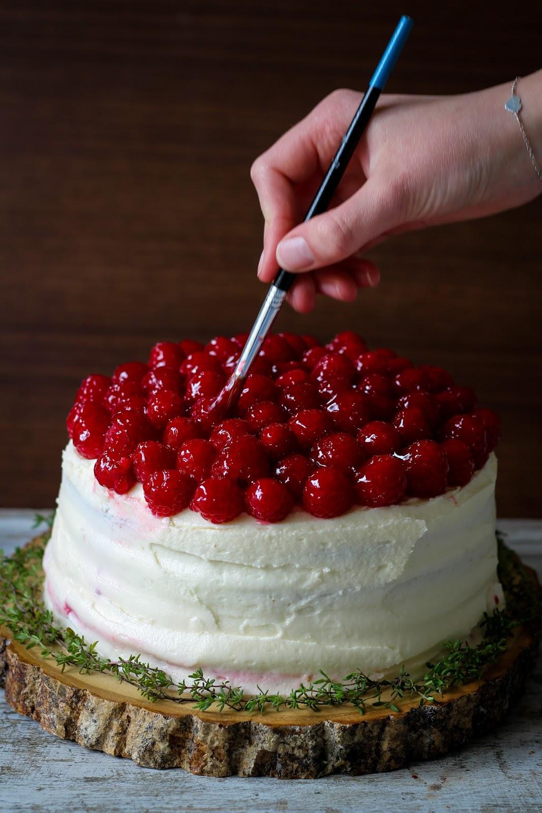 Elderflower and raspberry cake recipe