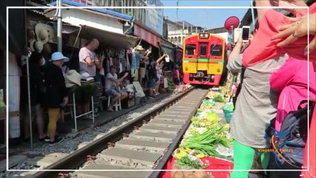Mercado do Trem, em Bangkok | Tailândia