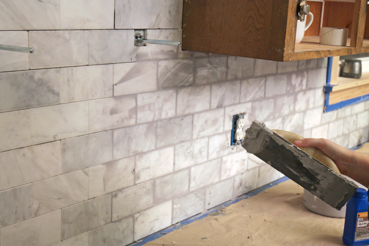 Tips for DIY subway tile kitchen backsplash