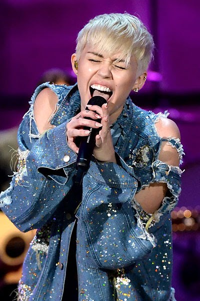 Miley Cyrus on MTV Unplugged