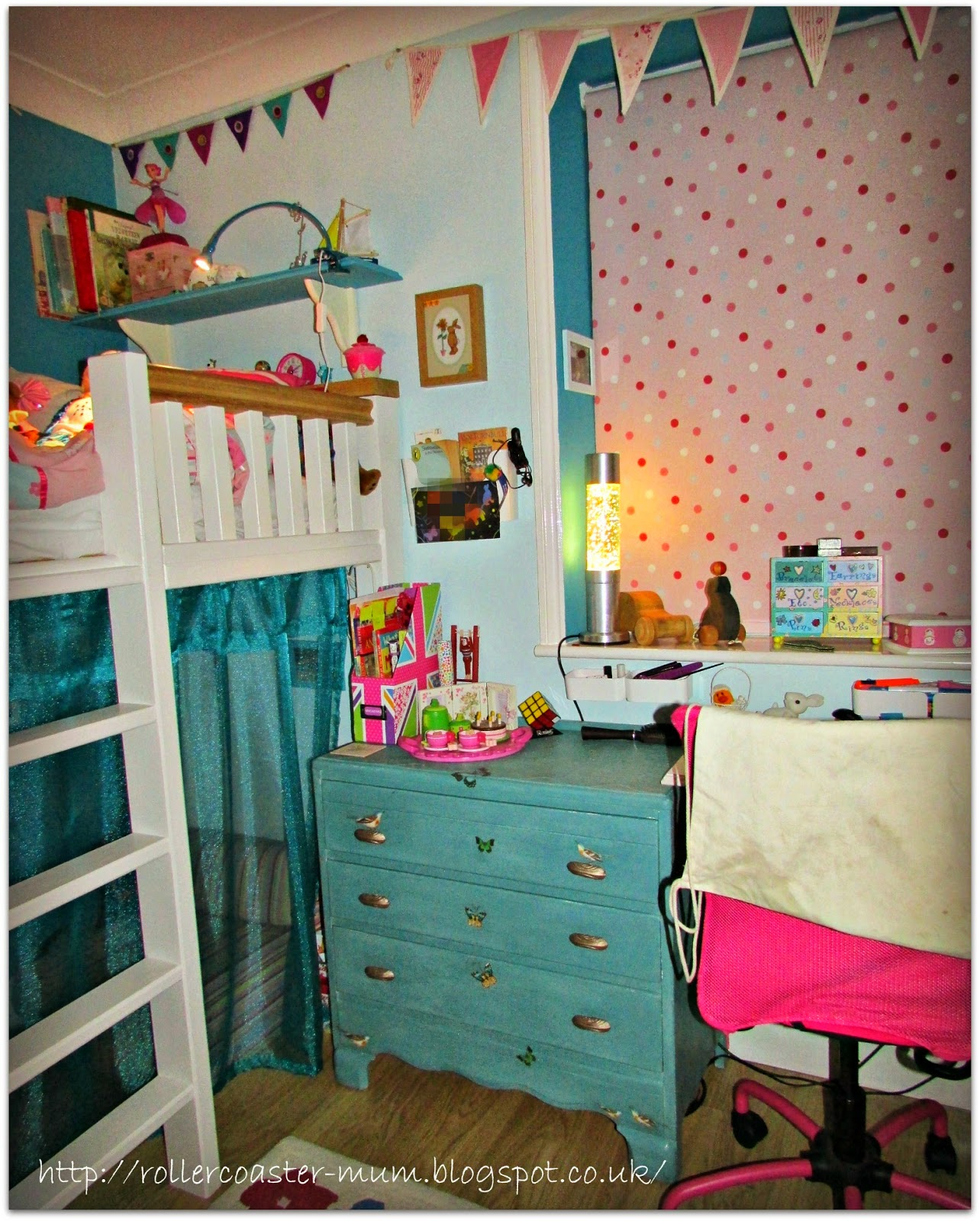 turquoise with pink accents room