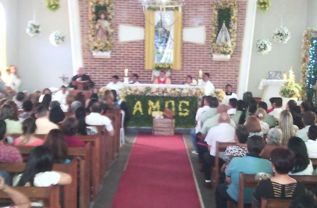 obispo-de-machiques-celebro-eucaristia-san-ignacio