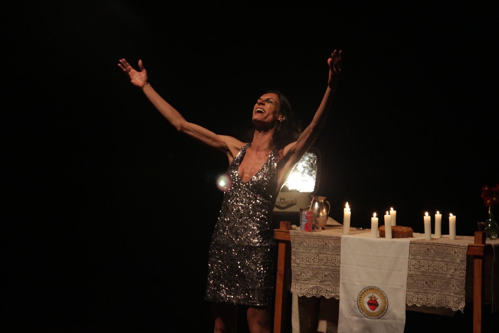 Após ser censurada em Jundiaí, peça com Jesus trans é ovacionada em Rio Preto