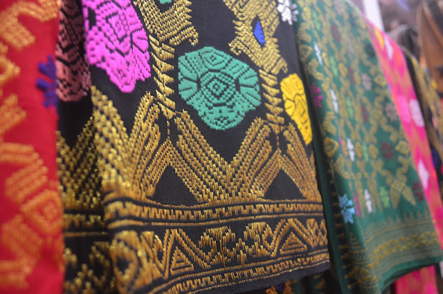 tenun lombok