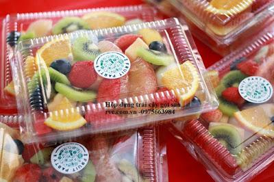 Bán hộp đựng trái cây gọt và tách múi sẵn