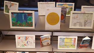 In stadsbibliotheek De Krook staan sinds kort de tekeningen van Fedactio's tekenwedstrijd tentoon.