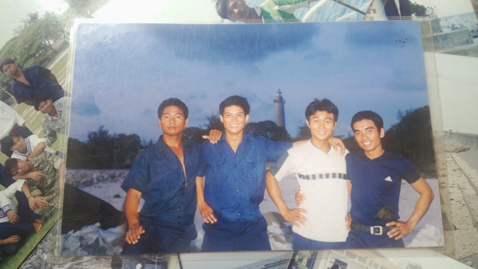 Ninh Xuân Trường và đồng đội trên đảo Song Tử Tây