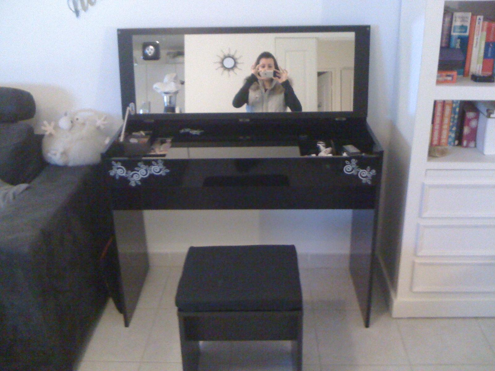 coiffeuse alinea blog okeh. Black Bedroom Furniture Sets. Home Design Ideas