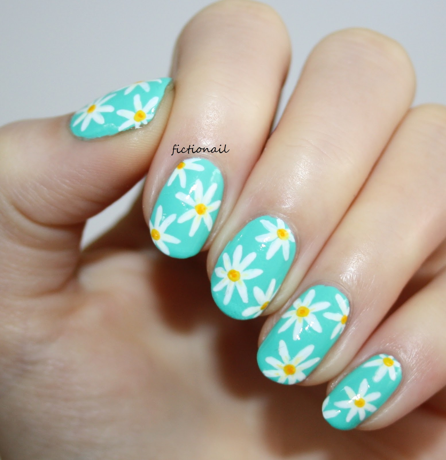 spring_daisy_nails.jpg