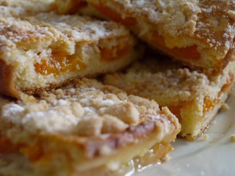 NAŠE KUCHYNĚ: Rychlá buchta s jablky a tvarohem #Buchty, Domácí koláče, Jab