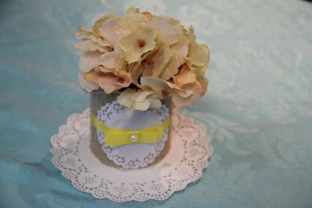 chá bar, chá de panela, azul e amarelo, decoração, centro de mesa