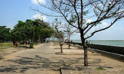 Pantai Marina: Pantai Paling Romantis dan Seru di Semarang