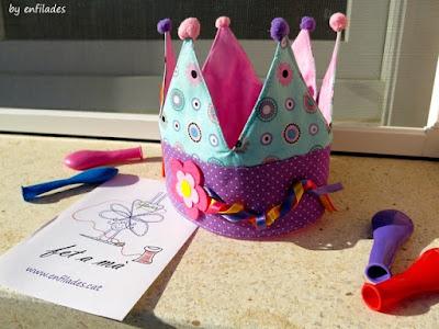 Regal d'aniversari corona personalitzada Enfilades.cat
