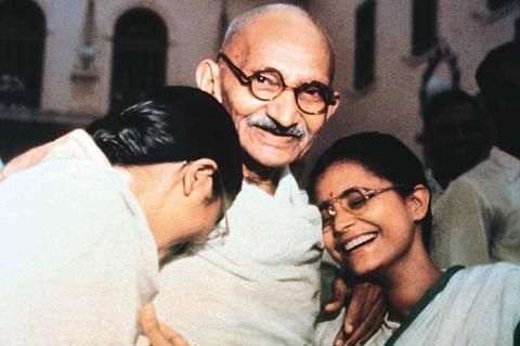 Gandhi with Girls pic truth