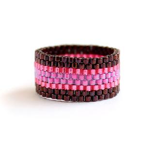 Купить современное женское кольцо 14, 15, 16, 17, 18, 19, 20, 21, 22 размера. Необычное цветное кольцо ручной работы. Авторские изделия из бисера