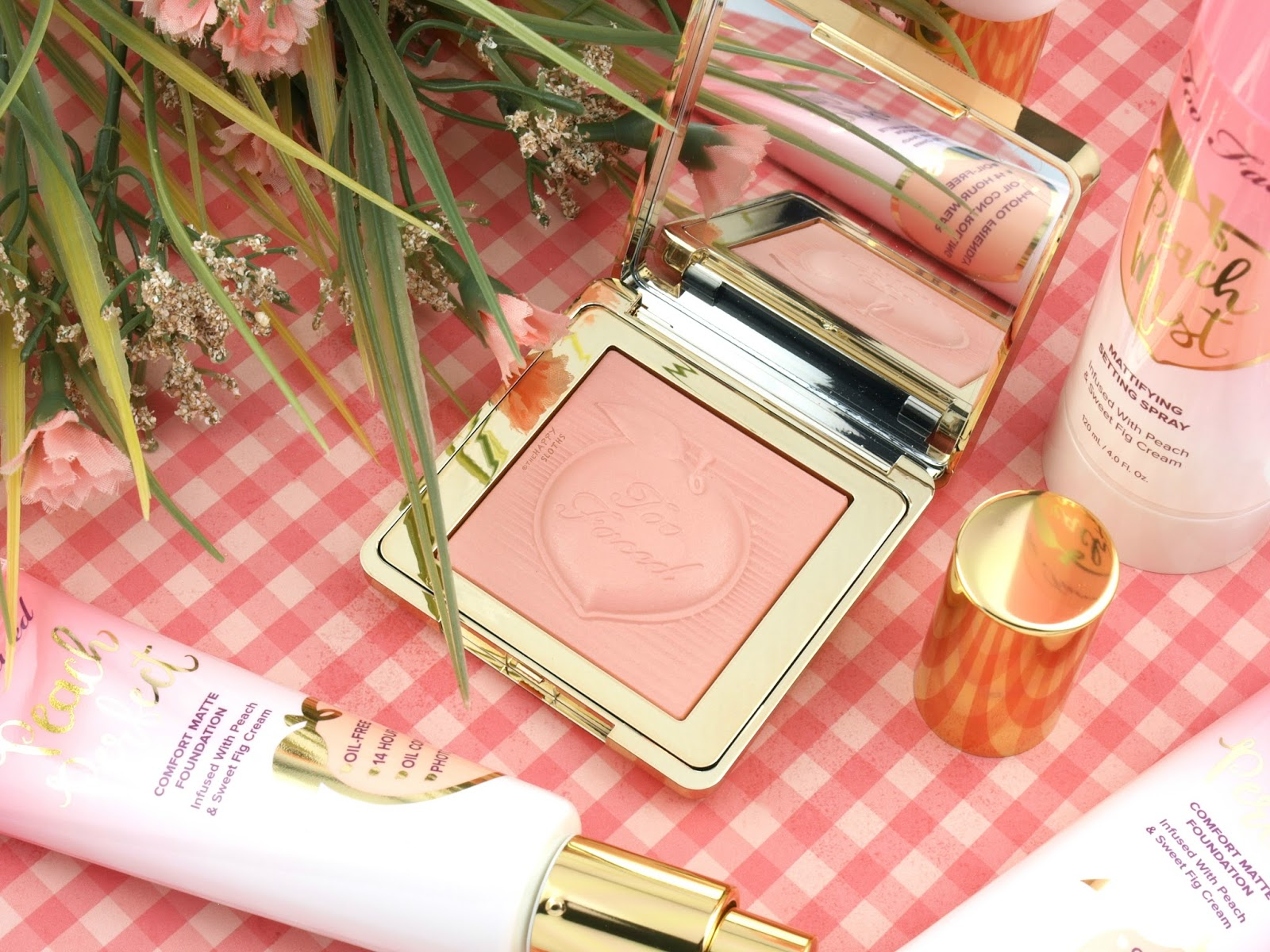 Too Faced Peaches & Cream Collection | Peach Blur Translucent Smoothing Finishing Powder: Review