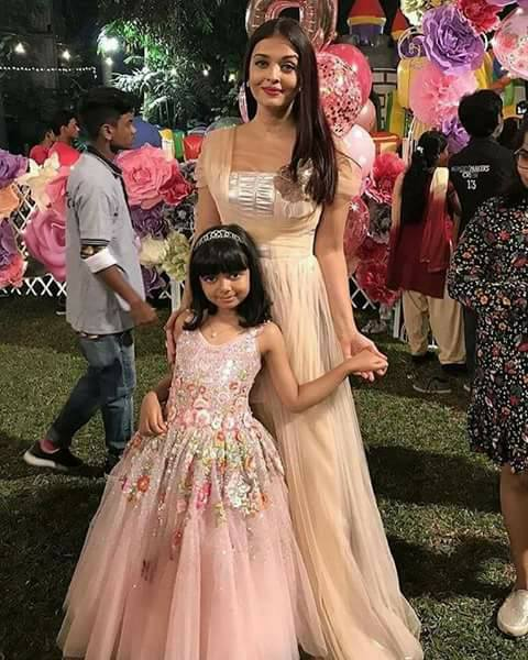 Aishwarya rai abhishek bacchan daughter Aradhya birthday bash with srk abrahim and others.