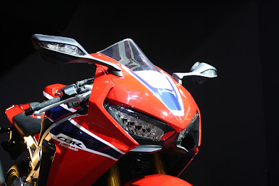 2017 Honda CBR1000RR Fireblade SP close up shot