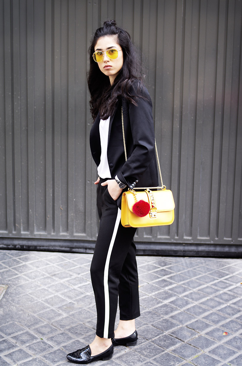 Elizabeth l Black white yellow casual outfit blog mode l zara brandy melville the kooples valentino l THEDEETSONE l http://thedeetsone.blogspot.fr